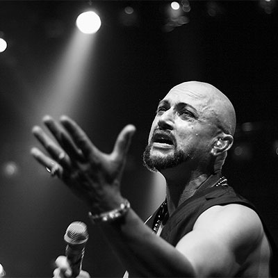 Geoff Tate during a Queensryche show at Turning Stone Casino.