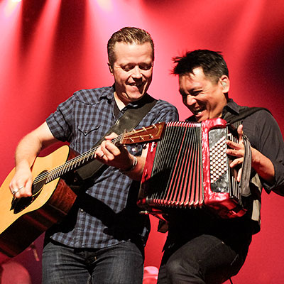 Jason Isbell and Derry deBorja playing a show in Stroudsburg, PA.